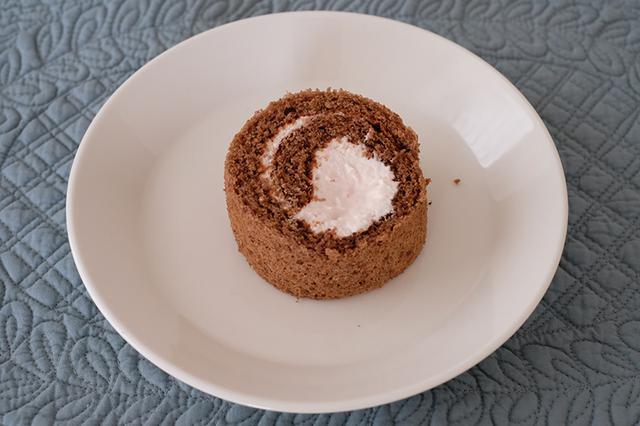 画像: 米粉のココア&いちごロールケーキのつくり方