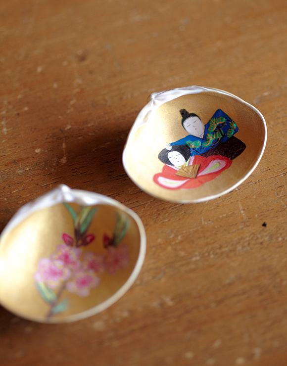 画像: 桃の花と、お雛さまが対になった合わせ貝
