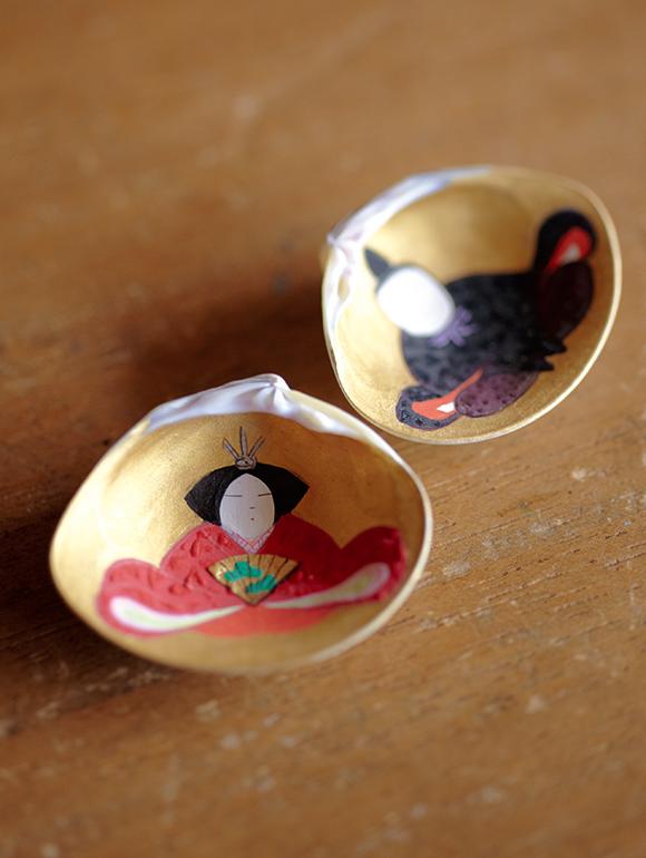 画像: 女雛と男雛がセットになった合わせ貝