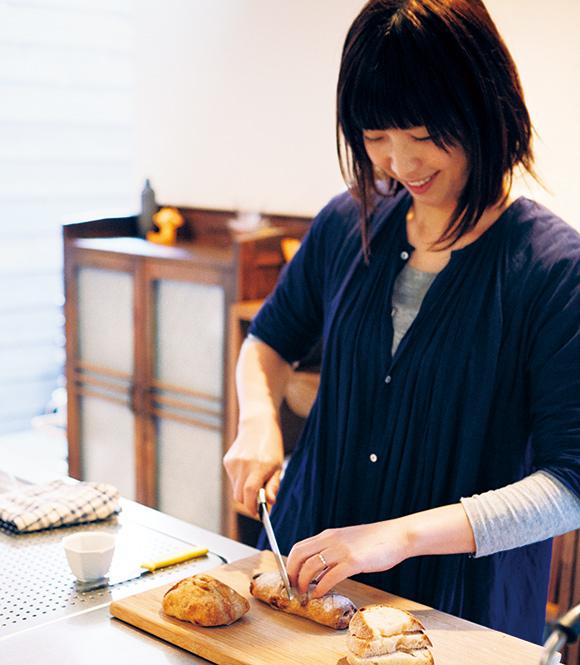 画像: パンは、姉妹店となるカフェ「14g」のスタッフが焼いているもの。「嚙むほどに深い味わいです」