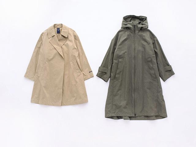 画像: 左)ベージュのナイロンコート 24,800円/オーシバル(ビショップ) 右)カーキのフードコート 79,000円/プレインピープル青山