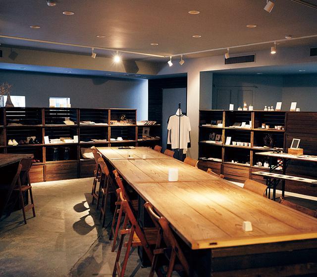 画像: 内装は、確かな審美眼にファンが多い、東京の日用雑貨店「OUTBOUND」店主の小林和人さんが担当
