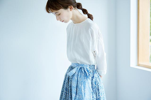 画像: 「ラップ風ギャザースカート」季節のコーディネート