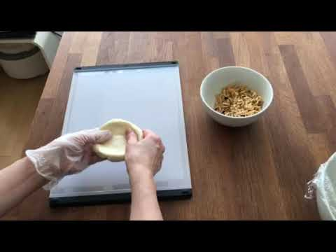 画像: フライパンで焼く簡単インドパン「チーズクルチャ」をつくる ~生地でチーズを包む|マバニ・マサコの本格スパイス料理|天然生活web youtu.be