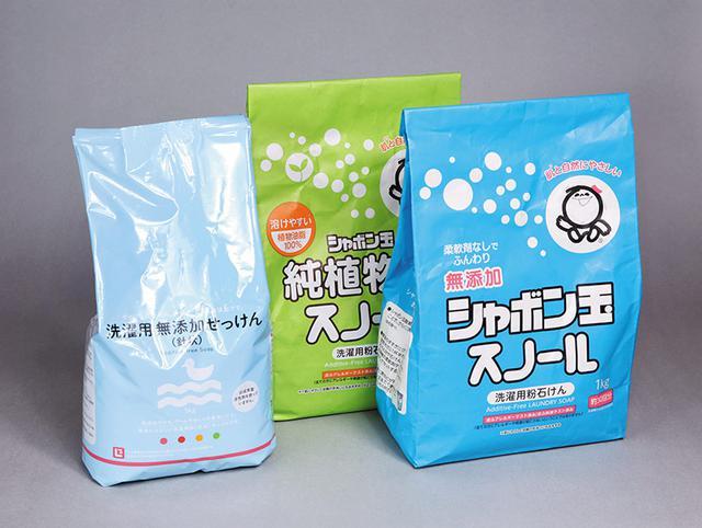 画像: 粉石けんには、純石けん100%とアルカリ性助剤(炭酸塩)を3~4割加えたものがあり、助剤入りは皮脂汚れなどの洗浄力が高く、日常の洗濯に向いています
