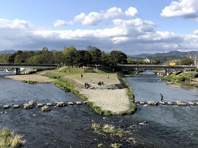 画像: 京都は散歩するのが楽しい。歩いているだけで美しいものと出会え、気づきがあります。
