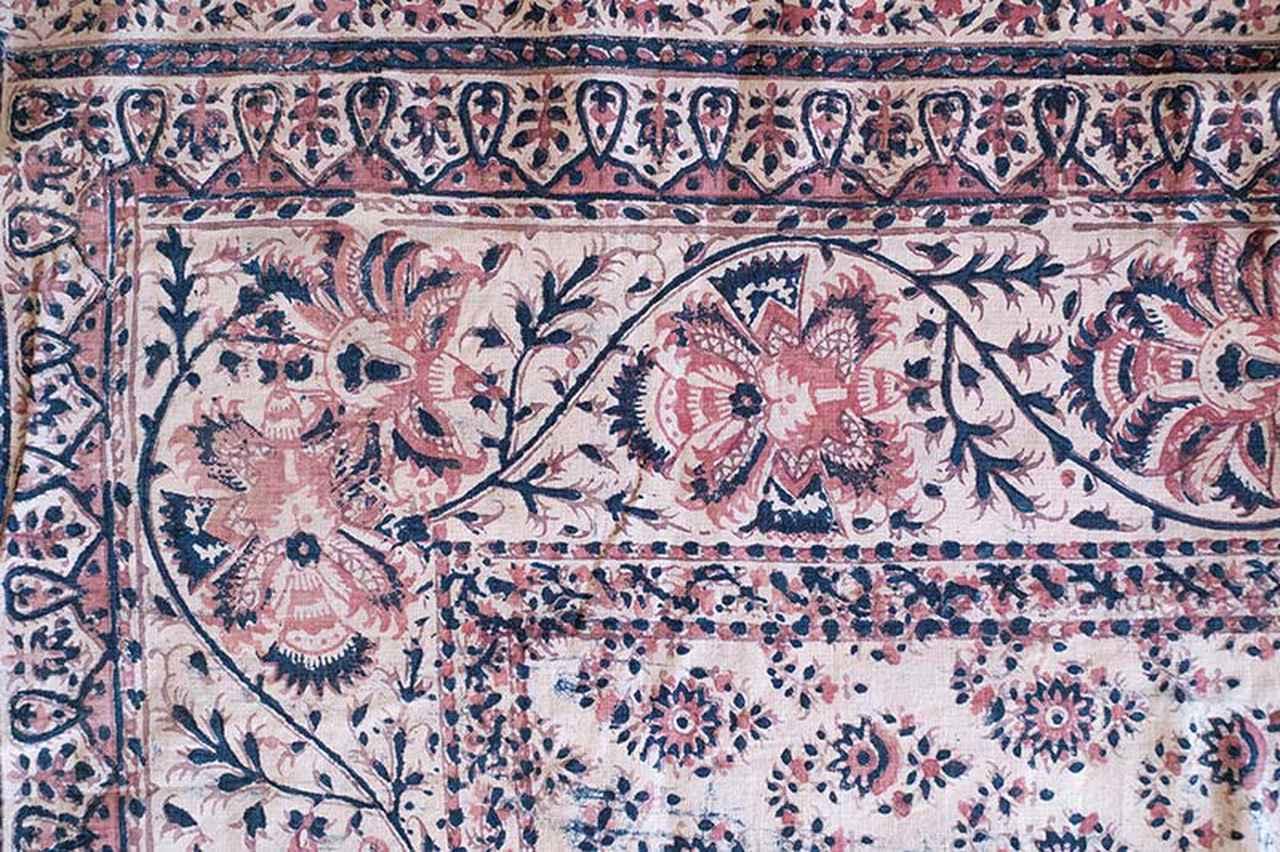 画像: インドで生産されたと思われる(20世紀?)、手描きのペルシア更紗。ペルシアでは、インドから技術が伝わって紀元前2000年ごろから更紗が染められていたと言われている