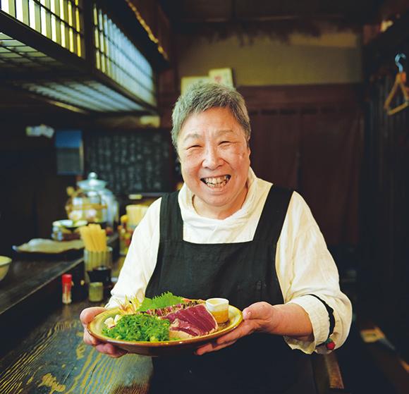画像: 「高知ならではの旬の魚、甘味の強い野菜のおいしさを楽しんでください。日本酒との相性もぴったりですよ」と岩本さん