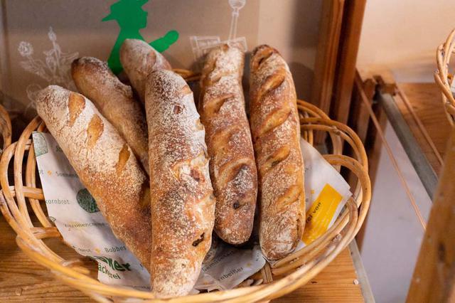 画像: イタリア産マロングラッセの甘さが心地いい「カスターニエ」も、人気の品