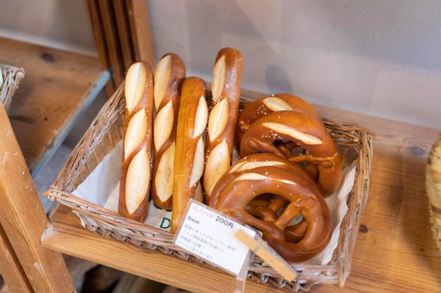 画像: 「プレッツェル」には、スティックやげんこつ型のタイプも。食感が違うので、食べ比べてみて
