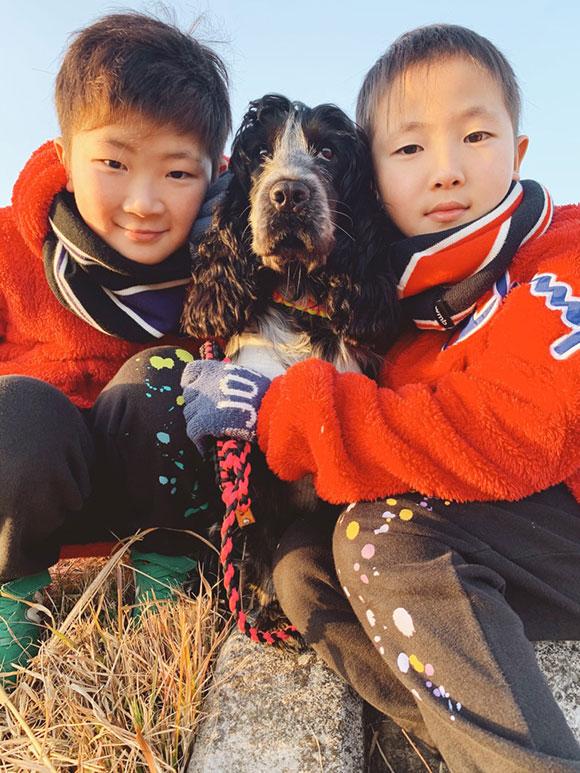 画像2: 保護犬カフェで出会った真っ黒のワンちゃん