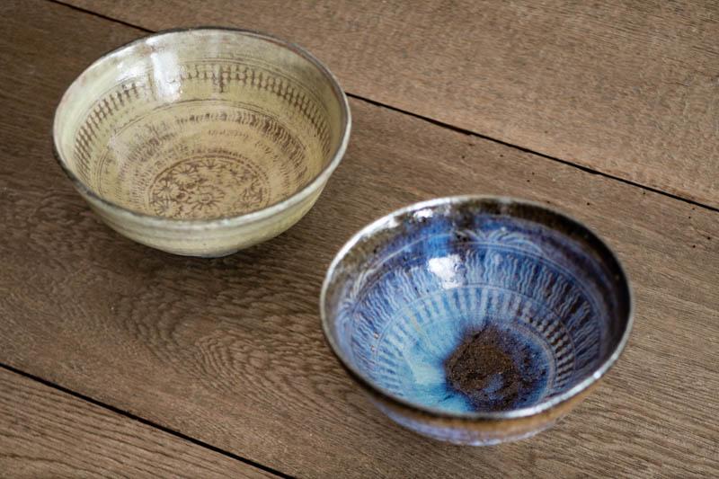 画像: 三島という技法でつくられた「碗」。灰釉による独特の色合いが、食卓に映えます