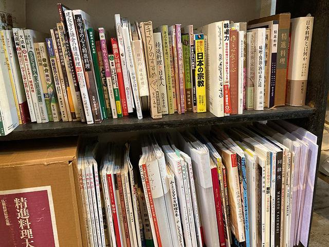 画像: 手元に残した本たち