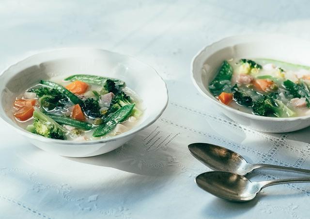 画像: PRIMER PLATO 一皿目 春野菜のスープ