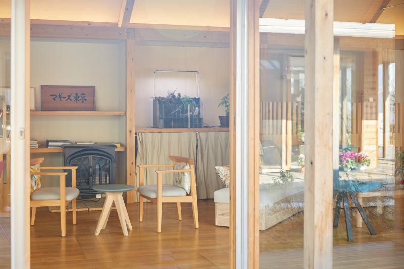 画像: マギーズ 東京は本館とアネックス館が木造の渡り廊下で繋がっているつくり。こちらはアネックス館