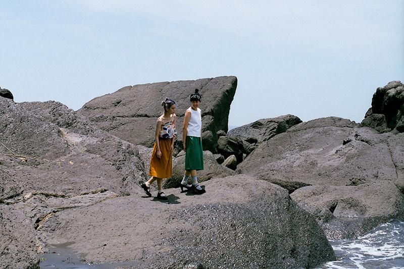 画像3: 黒い砂浜が出現する「外澳(ワイアオ)」の岩場