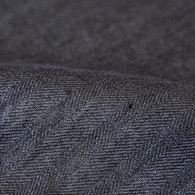 画像: 生地に見られる糸節やネップは、リネンの原材料フラックス(亜麻)の繊維によるもの。天然繊維であるリネン特有の風合いですので、味わいとしてお楽しみください。