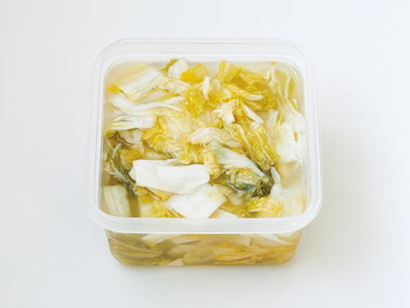 画像: 2%の塩で1週間ほど漬ける白菜漬け