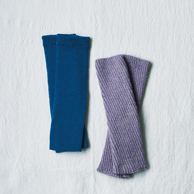 画像: くるぶしが出る服装のときは必ずレッグウォーマーを持ち歩く。「夏の冷房対策にも役立ちます」