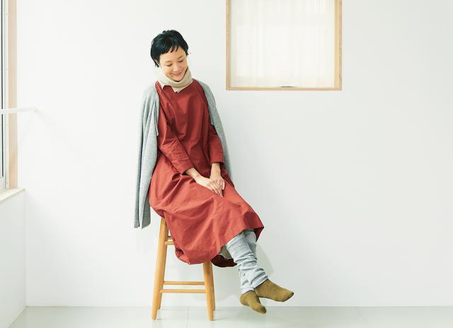 画像: 家では、締めつけの少ないリラックススタイルで足や首元をしっかり温める