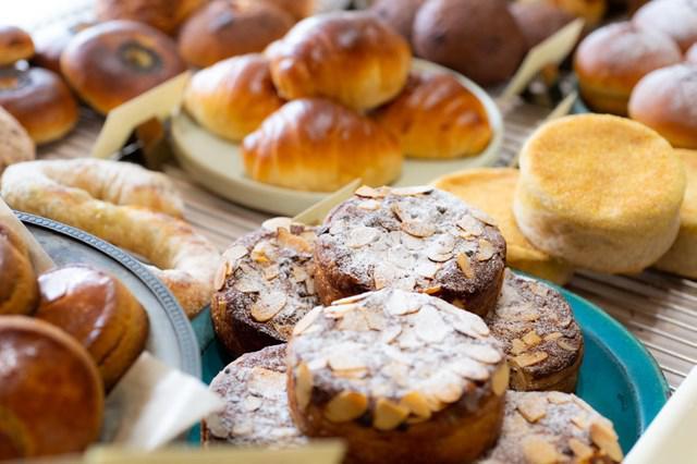 画像: 自家製酵母で焼き上げるパンには、小麦の旨味と香りがぎゅっと詰まっています
