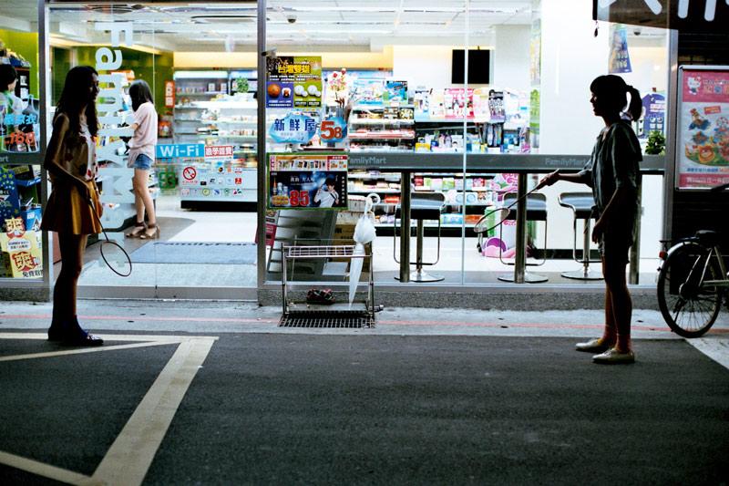 画像2: 松山高校の裏路地は、私たちのホーム