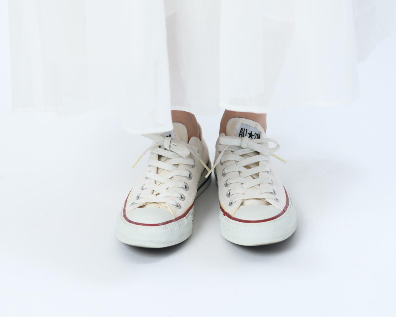 画像: 靴ひもがゆるい状態(前から見たところ)