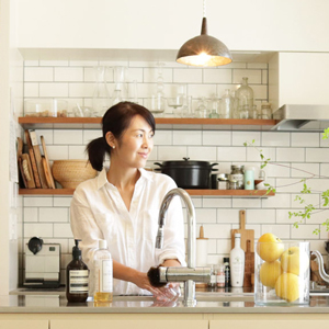 画像: ◆浅めのガラス容器もあると収納の幅が広がる