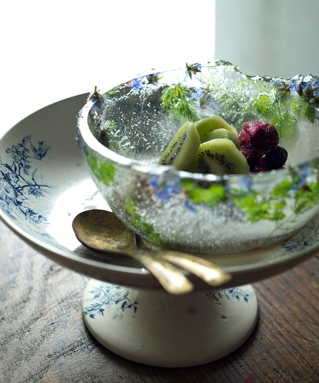 画像: フルーツを盛りつけて、夏のおもてなしに