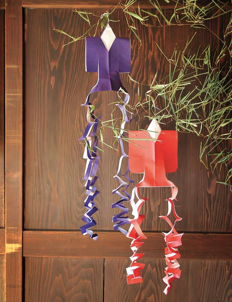 画像: 山梨県の一部の地方に長い年月にわたって伝わるという七夕飾り「オルスイさん」。長方形の紙とはさみさえあればだれでもつくれるシンプルな構造