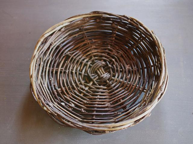 画像: オオツヅラフジの蔓は、太くまっすぐなため、編みやすいのが特徴です
