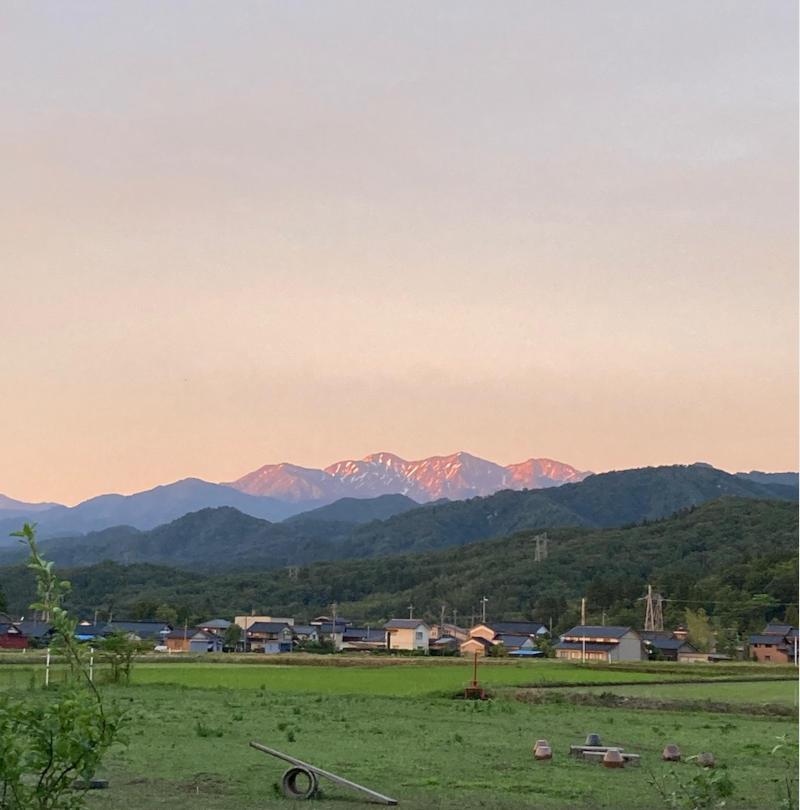 画像: 夕陽に照らされた北アルプス