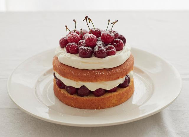 画像1: 内田真美さんのチェリーレイヤーケーキ