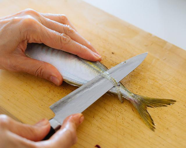 画像2: あじの下処理(煮魚用)