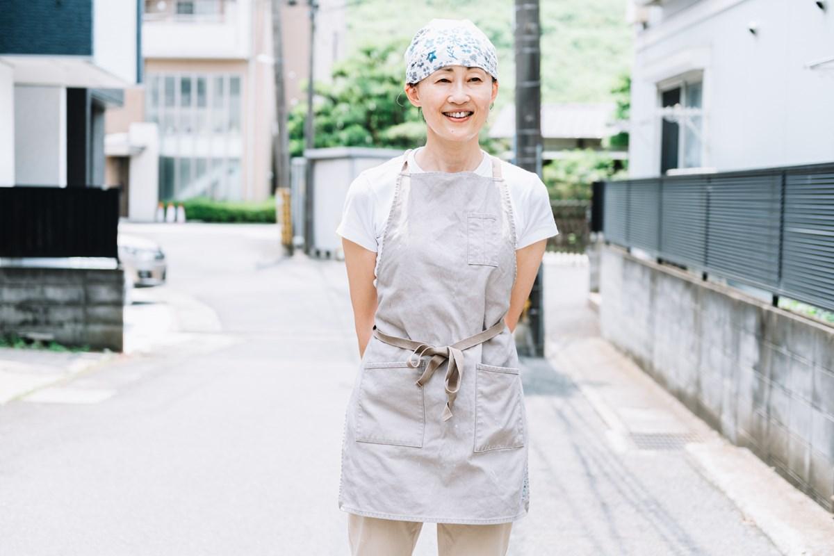 画像: 以前は客室乗務員をされていて、仕事で何度もニューヨークを訪れていたという店主の茶野佐知子さん。ニューヨークのベーグルのおいしさに感動し、ベーグル屋を開きたいと考えるように