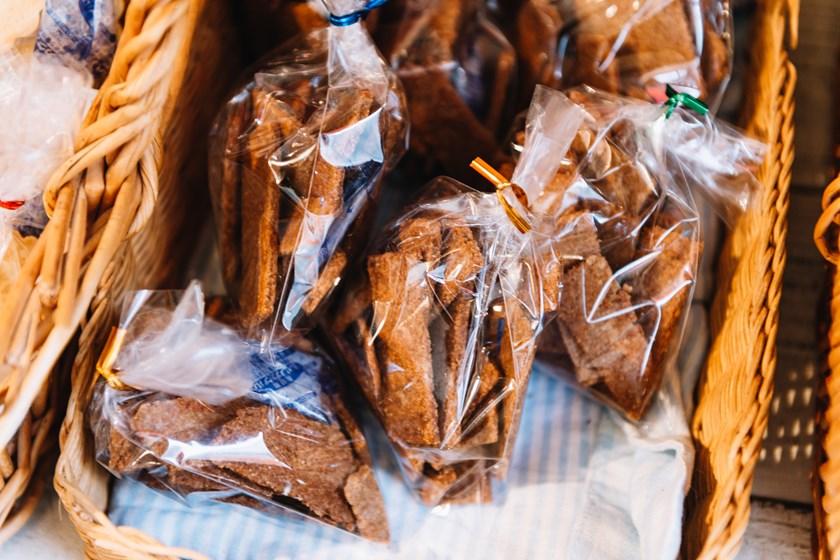 画像: 小麦の表皮の部分(ふすま)を使った、食物繊維たっぷりで体にやさしい「ふすまビスケット」(不定期販売)