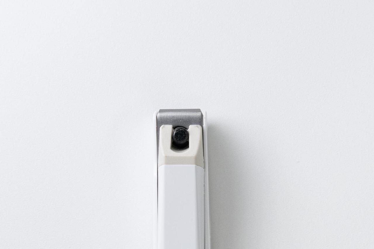 画像: 刃先が直線で、少しずつ細かく切ることができる直線刃タイプ