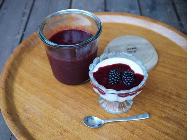 画像: プレーンヨーグルトにのせただけの簡単おやつ、真夏の朝食の定番に