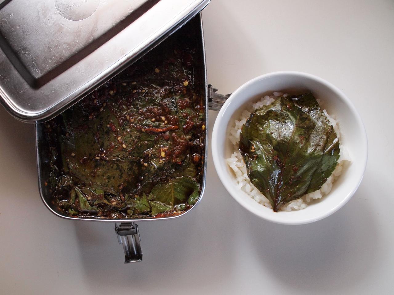 画像: 保存容器はソウルの道具屋で購入したステンレス製のキムチ容器に。冷蔵保存で一年ほどもちます