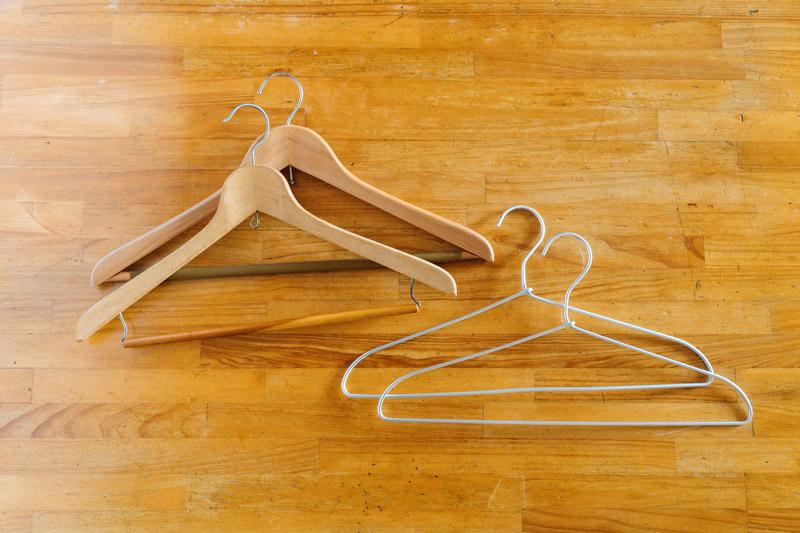 画像: 使用している2種類のハンガー