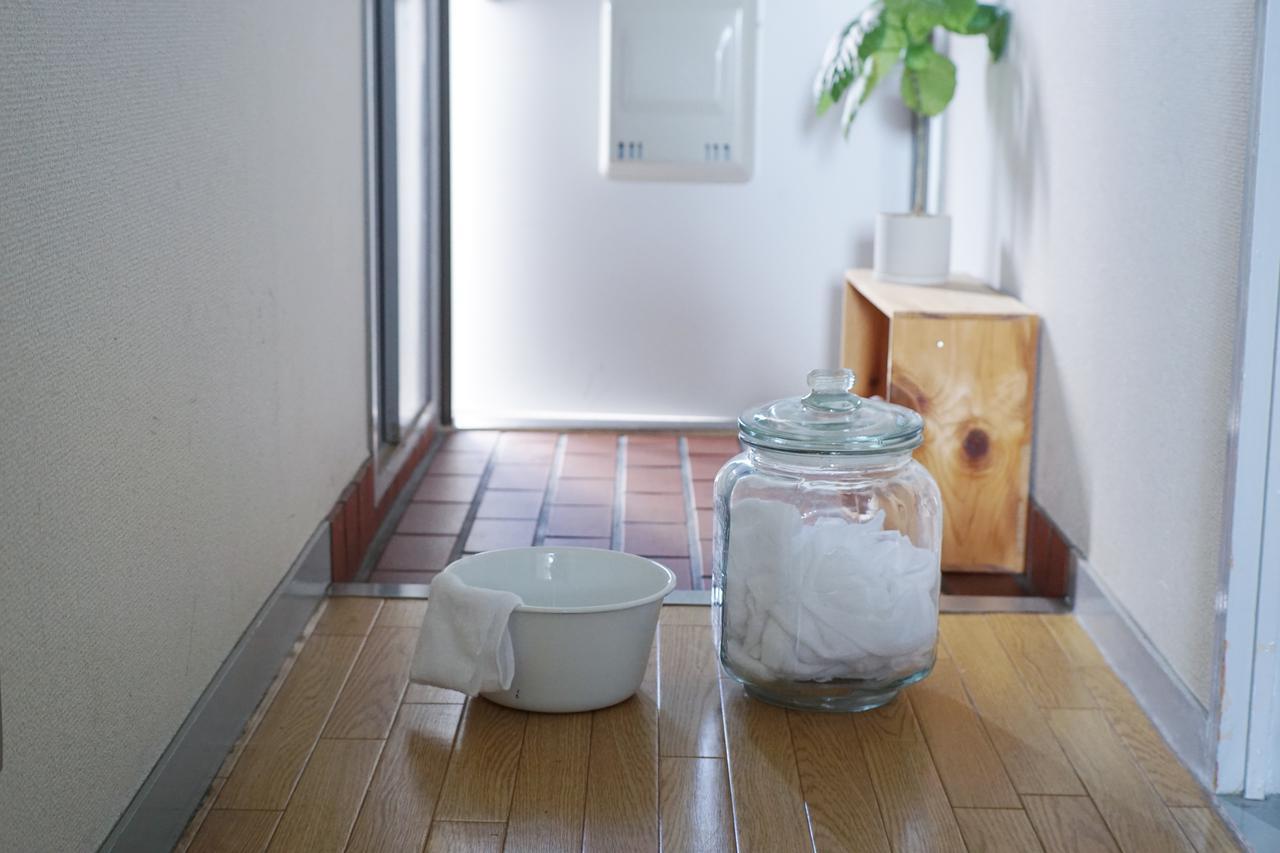 画像: 掃除のコツ2: 「ここだけは」の玄関の水拭き