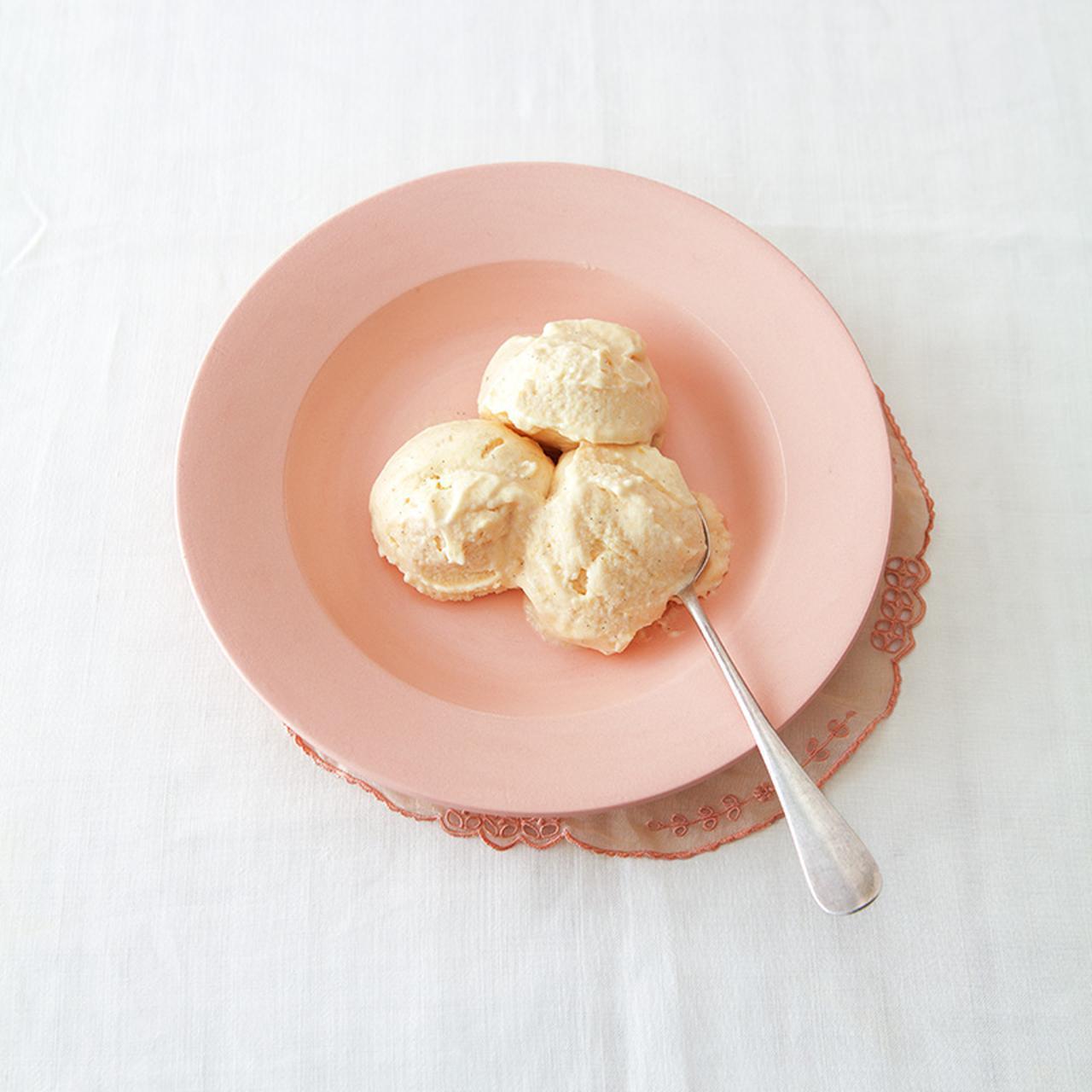 画像: 桃とバニラのジェラートのつくり方|かわいいアイス/千葉奈津絵さん