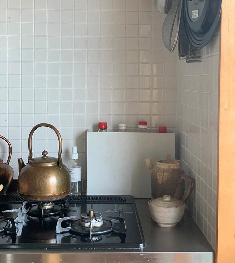 画像1: 出しておくとごちゃごちゃする、しまうと使いづらい台所の調味料入れに