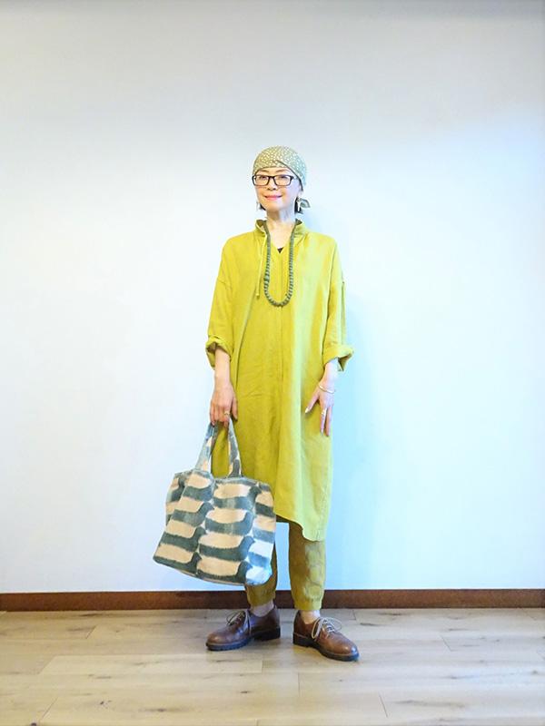 画像2: 服は選びぬいて買い、気に入ったものはサイズが合わなくても直しながら着ます