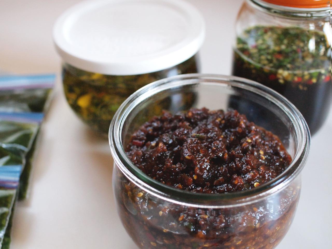 画像: 自家製味噌を使った青とうがらし味噌。主に和食で使います