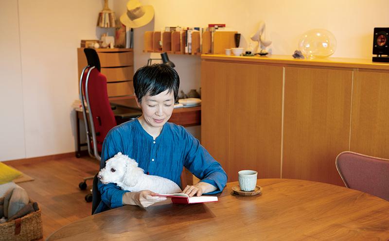 画像: 私の好きな本とお茶時間