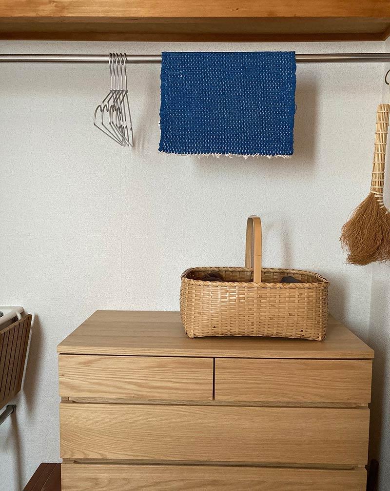 画像: お風呂上がりにすぐ使うものをすっきりと収納