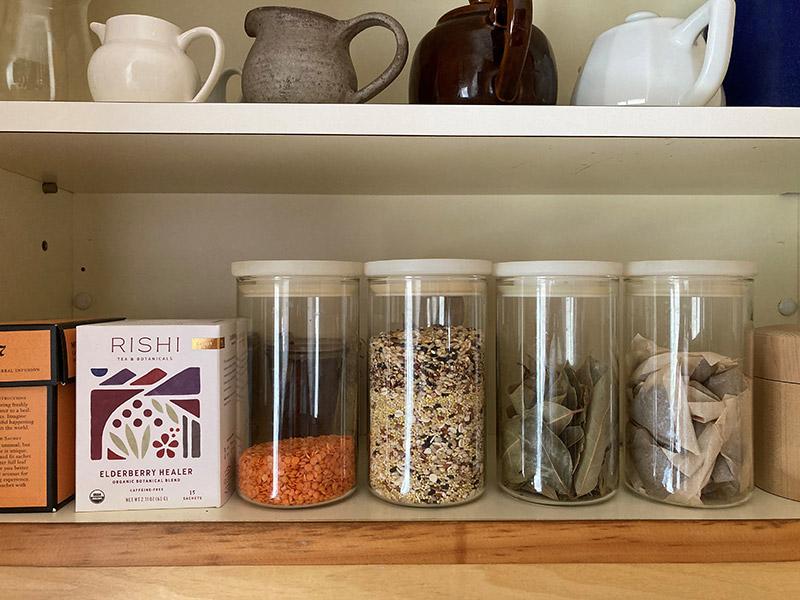 画像: 出番の多い食材入れに。並んだ姿も美しいガラス保存容器