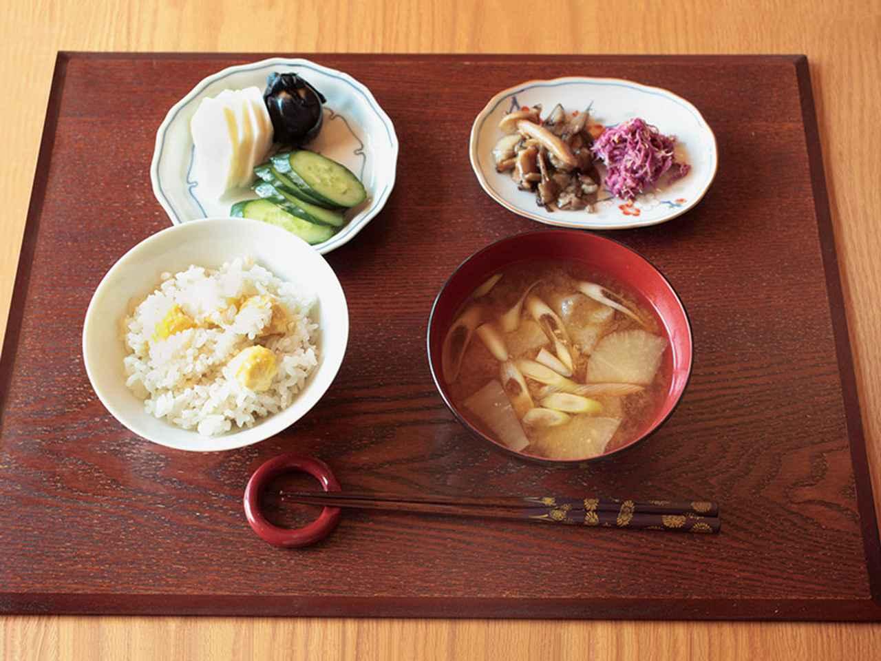 画像: 赤倉家の栗ごはんは、昆布だしで、お酒と塩を少々。栗本来の風味を楽しむシンプルな味つけ