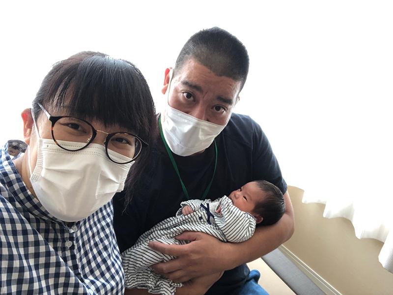 画像3: 母子の安全を考慮して、緊急帝王切開に